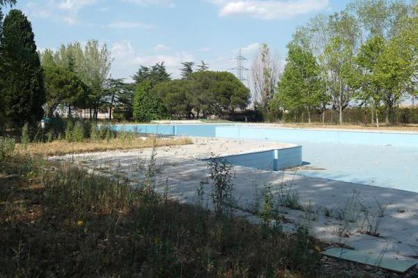 Legan s uleg reclama la reconstrucci n de la piscina for Piscina municipal mostoles