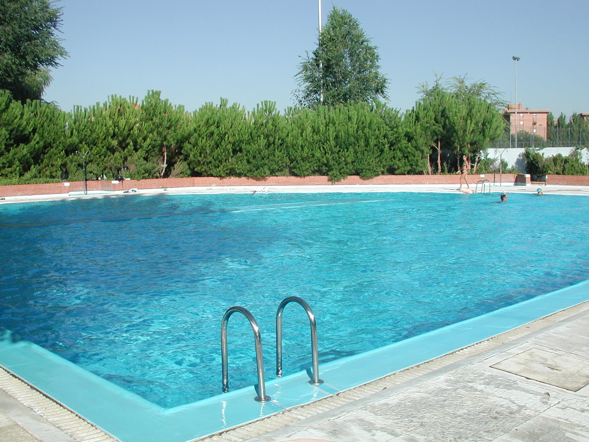 Las piscinas municipales de parla abren el 21 de junio for Las mejores piscinas municipales de madrid