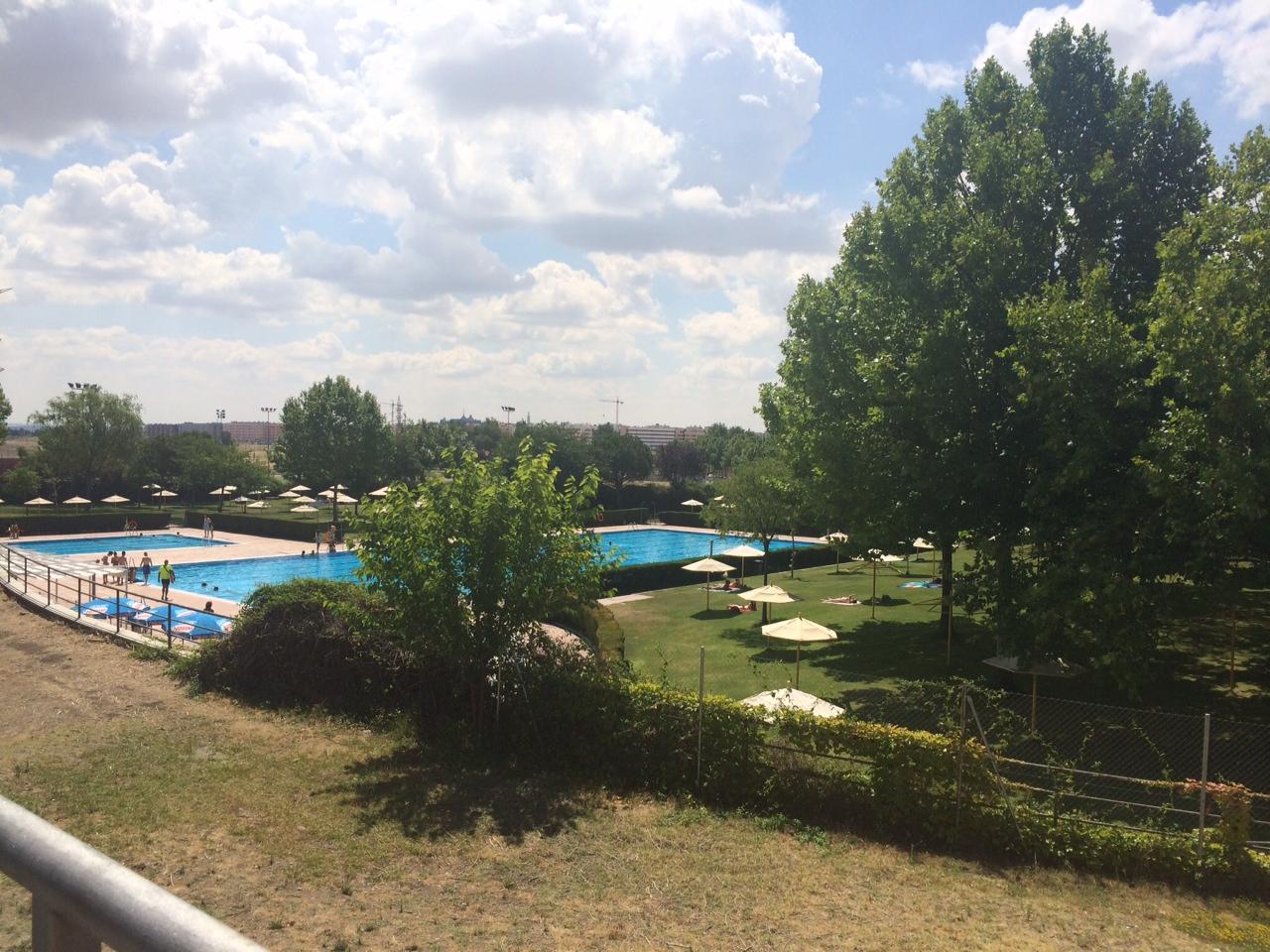 Sin bonos en la piscina municipal de getafe norte for Piscina municipal en madrid