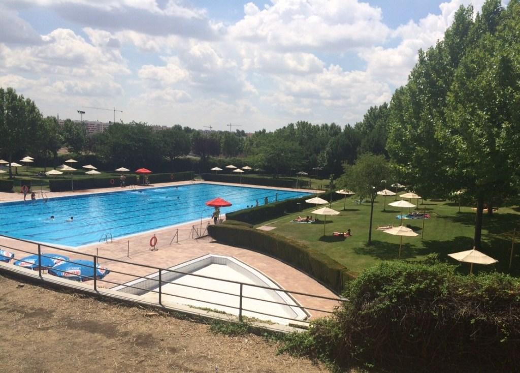 Sin bonos en la piscina municipal de getafe norte for Piscina fuenlabrada