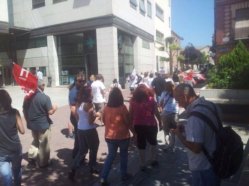 Protestas de trabajadores por el ERE de ATENTO en el centro de Getafe