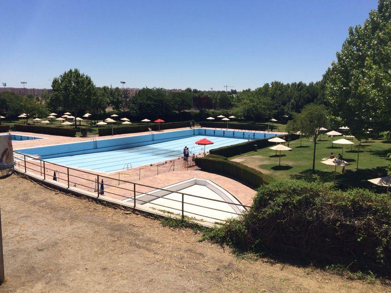 El complejo acu tico getafe norte rellena las piscinas por for Piscinas norte