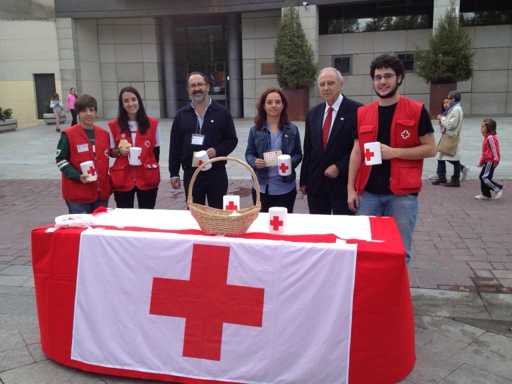 Concejales Socialistas con el presidente de Cruz Roja Getafe, Luis Muela