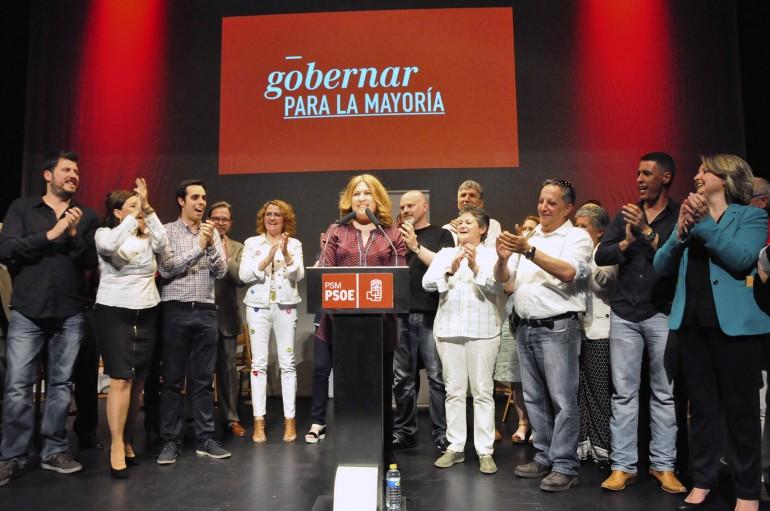 Natalia de Andrés en un acto de campaña de PSOE Alcorcón con Antonio Hernando
