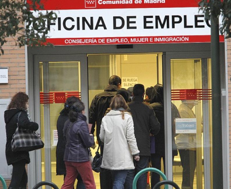 Alcorc n el paro baja en noviembre en 56 personas tras for Oficina inem