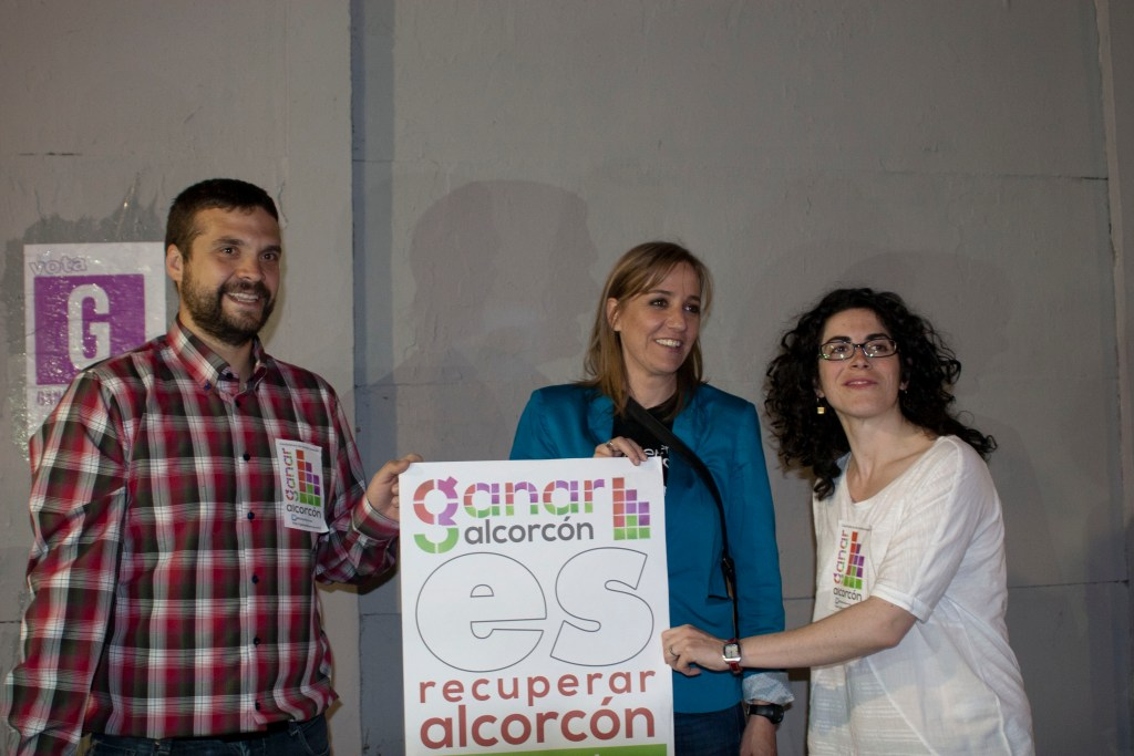 Jesús Santos, candidato de Ganar Alcorcón, acompañado por Tania Sánchez