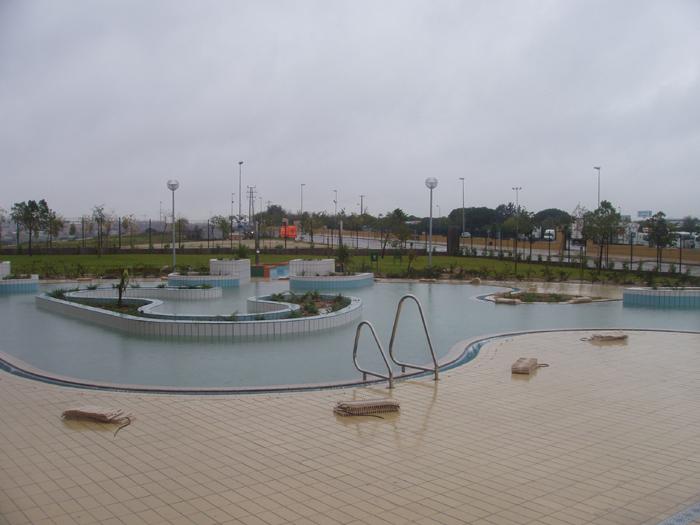 Las piscinas de verano de la fortuna podr an reabrir en for Piscinas en leganes