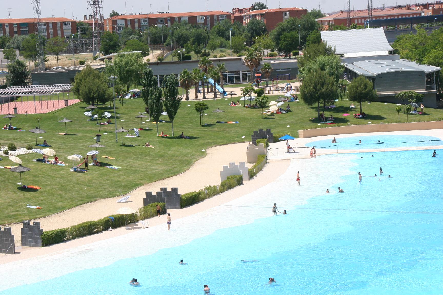 El verano llega a parla este s bado con la apertura de las for Precio piscina municipal madrid 2017