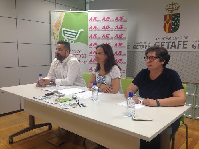 Presnetación de las campañas de AJE junto a Sara Hernández y Monica Cerdá