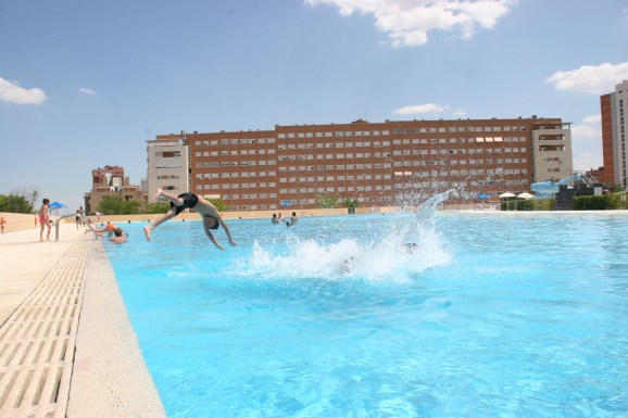 Parla sport 10 noticias para municipios for Piscina municipal mostoles