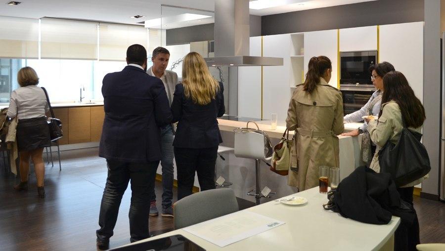 Empresas la empresa cocinas rio muestra su espacio de - Interioristas en madrid ...