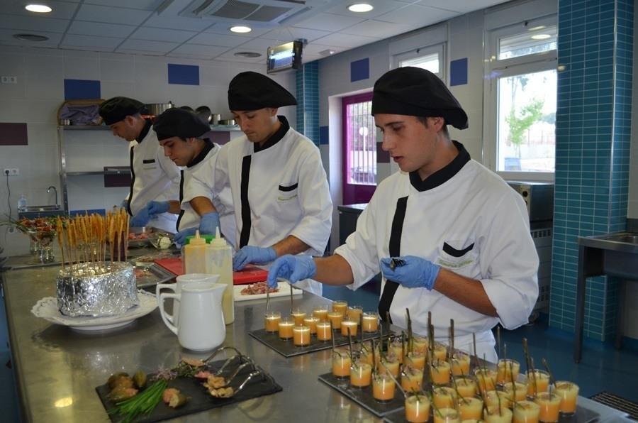 M stoles una escuela de hosteler a y turismo excepcional for Decoracion para hosteleria