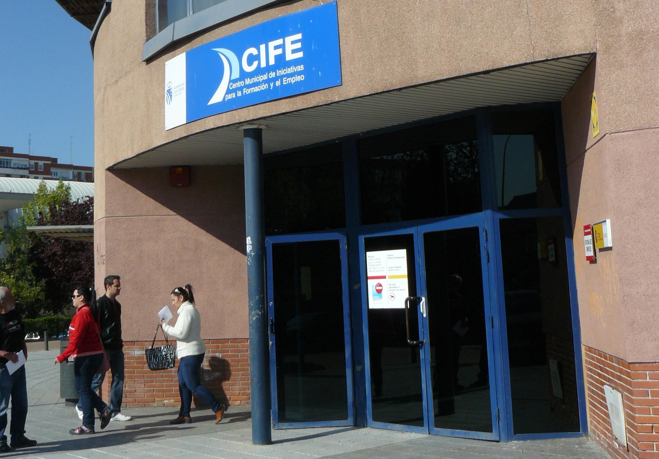 Fuenlabrada exigen una segunda oficina de empleo for Oficina de empleo getafe