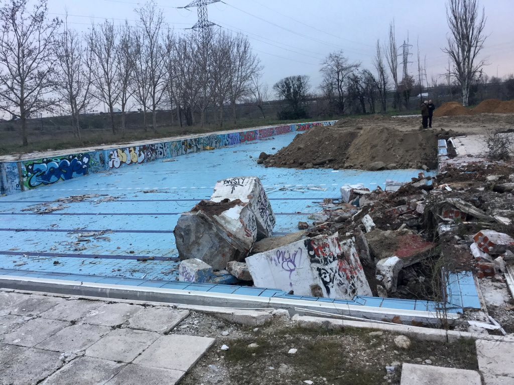Legan s el ayuntamiento sellar la piscina solagua noticias para municipios - Piscina de fuenlabrada ...