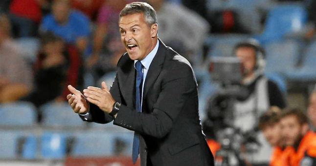Fran Escriba, tecnico del Getafe durante el partido