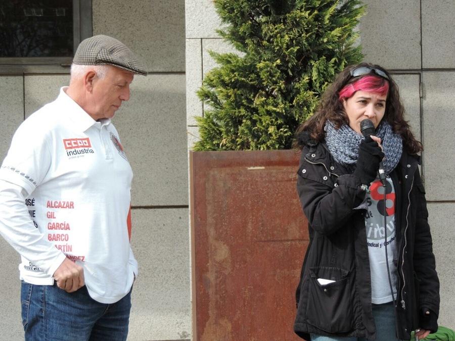 Vanessa Lillo, portavoz de Ahora Getafe junto a Juan Alcázar, uno de los '8 de Airbus' Foto_Rafael Egido