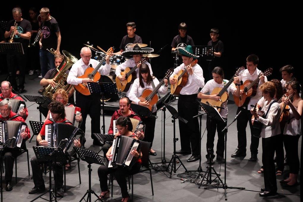 Fuenlabrada broche de oro al fin de curso de la escuela de m sica dionisio aguado noticias - Instrumentos musicales leganes ...