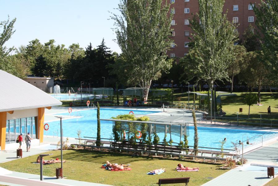 Alcorc n protecci n civil da consejos para ba arse con for Piscinas comunidad de madrid 2016
