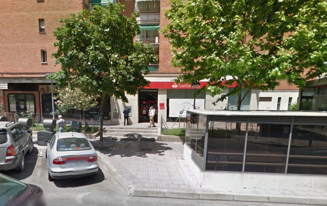 Legan s explosionan un cajero en zarzaquemada y roban en for Santander cajeros madrid