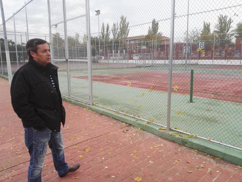 Saiz visitó las instalaciones del 'Javier Castillejo'