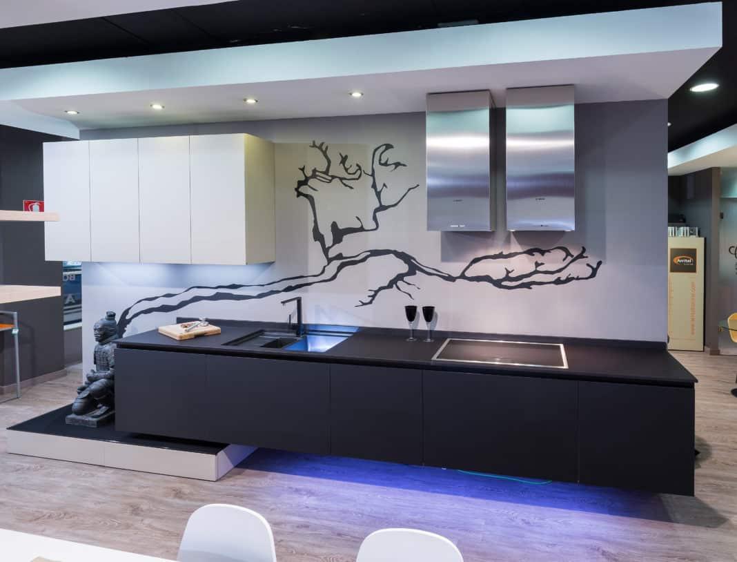 Getafe la empresa cocinas rio renueva su showroom con for Empresas de cocinas