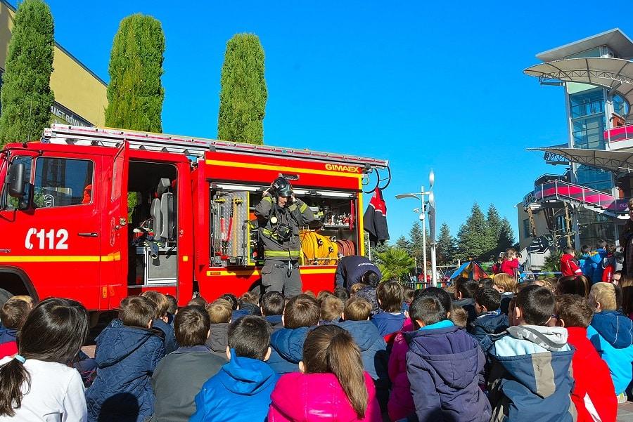 Alcorc n la obra de teatro el ni o bombero ense a a los escolares a prevenir incendios - Teatro en alcorcon ...