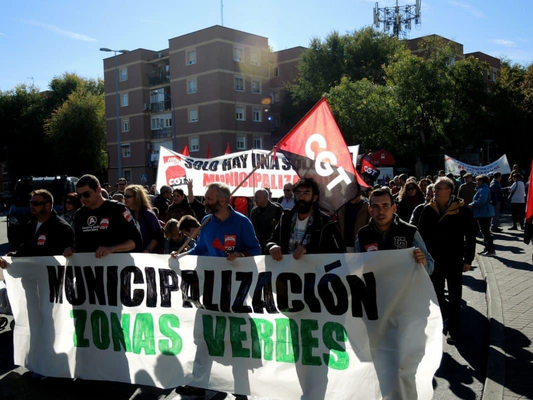 Legan s unas 200 personas se movilizan por la for Sindicato jardineros