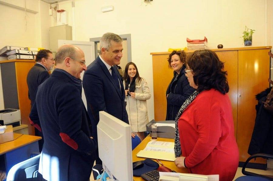 Las nuevas instalaciones, para las que se ha destinado una inversión de 211.00 euros en su primera fase, ocupan la planta baja y primera del colegio y se irán ampliando en fases sucesivas.
