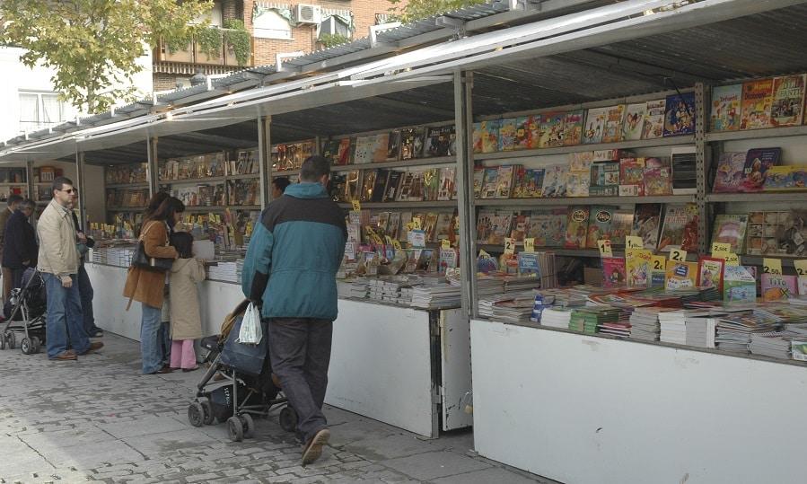 Legan s la plaza de espa a alberga la feria del libro for Feria del mueble madrid 2017
