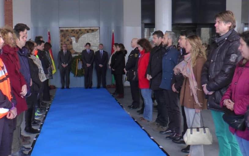 Alcorc n homenaje a las v ctimas del 11 m en el mural del - Teatro buero vallejo alcorcon ...
