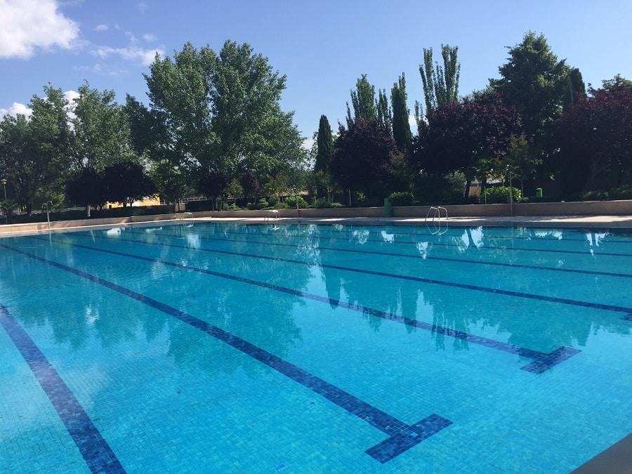 M stoles seis piscinas municipales de verano abren este for Piscinas municipales zaragoza 2017