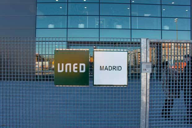 Fuenlabrada el ayuntamiento destinar m s de euros for Centro asociado de madrid