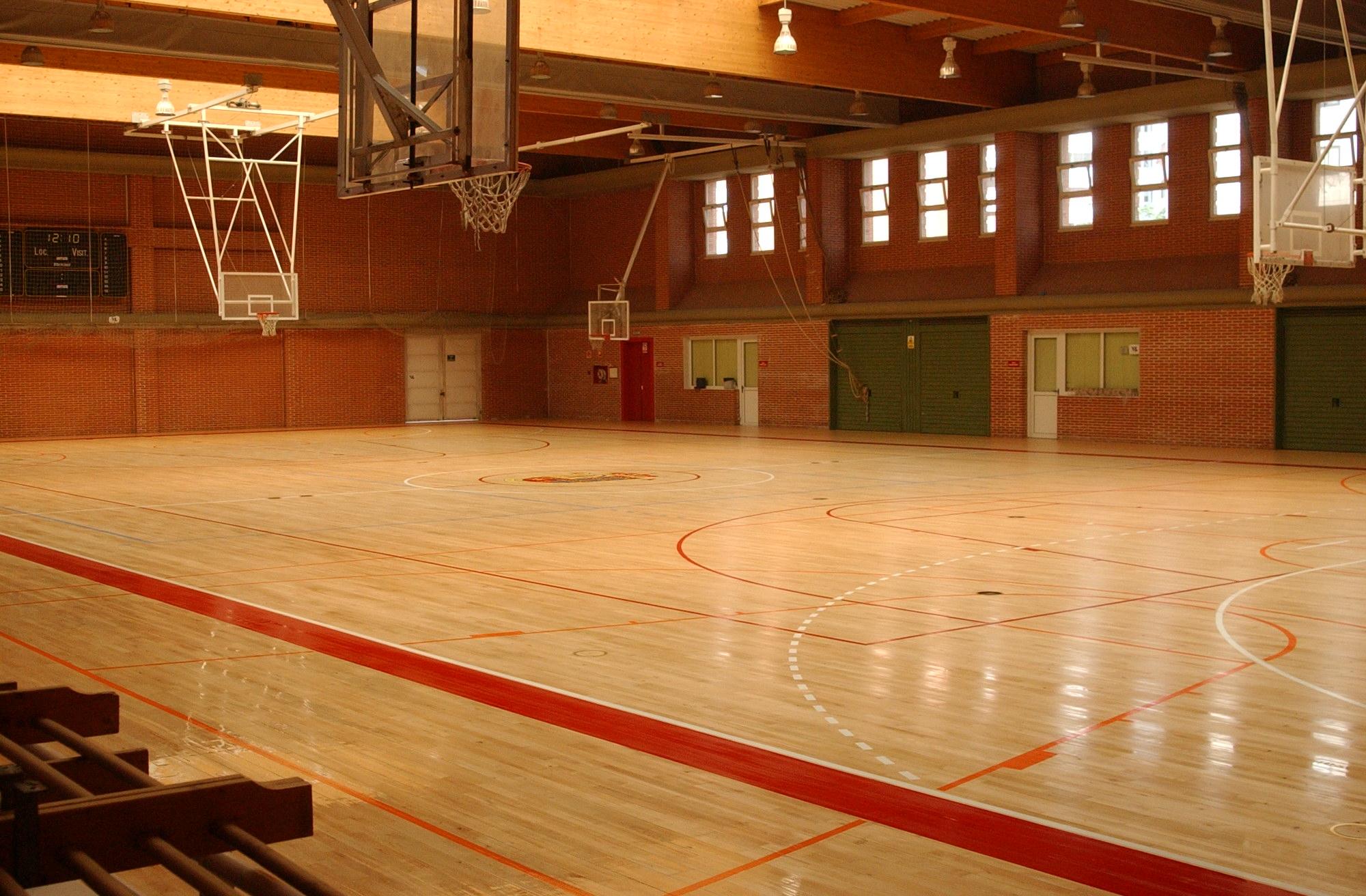 MÓSTOLES/ El Ayuntamiento prosigue con las mejoras en las ...