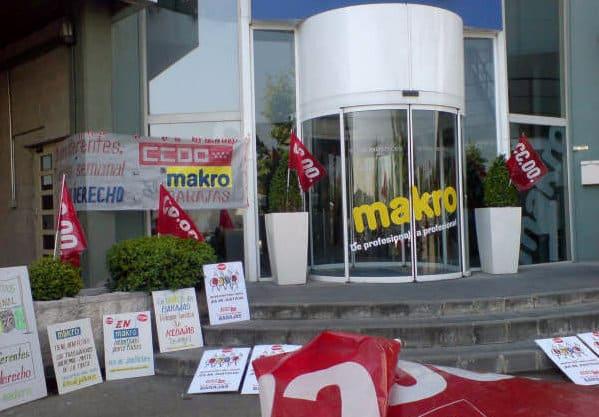 Legan s trabajadores de makro se concentran en madrid for Oficinas makro madrid