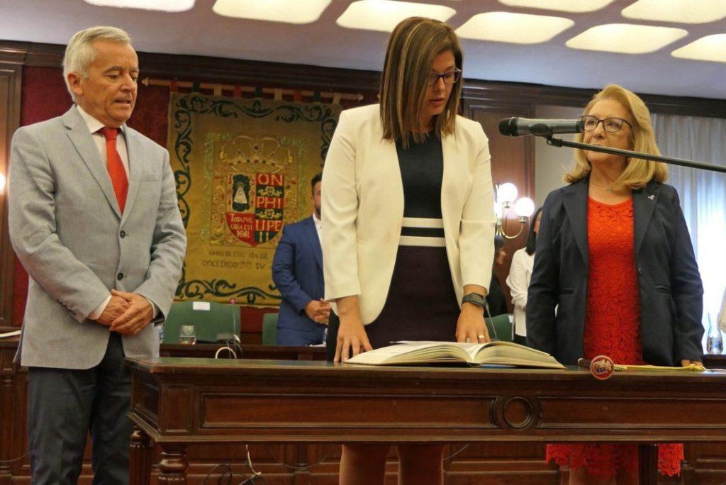 Resultado de imagen de MÓSTOLES/ Dimite la coordinadora del Gabinete de Noelia Posse, el cuarto cargo de confianza en dos semanas