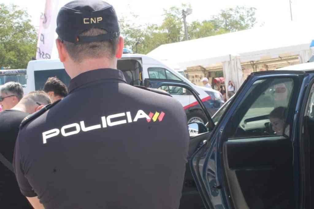 Resultado de imagen de Ocho detenidos por once asaltos en comercios de telefonía móvil en varias provincias