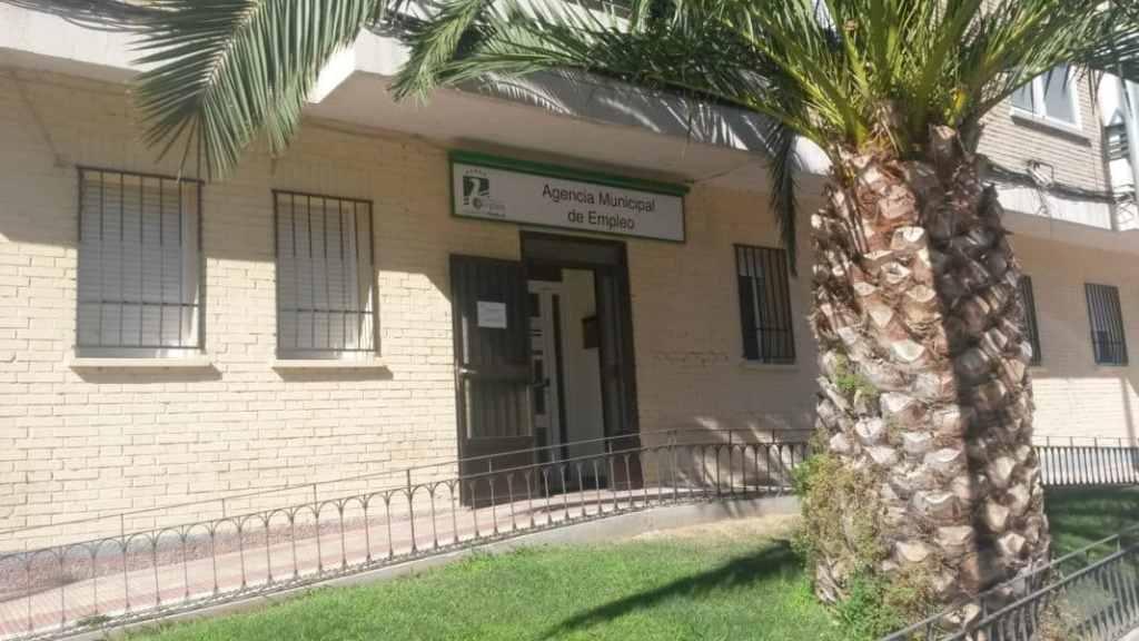 Parla el desempleo sube un 1 5 en el mes de agosto con for Agencia de empleo madrid