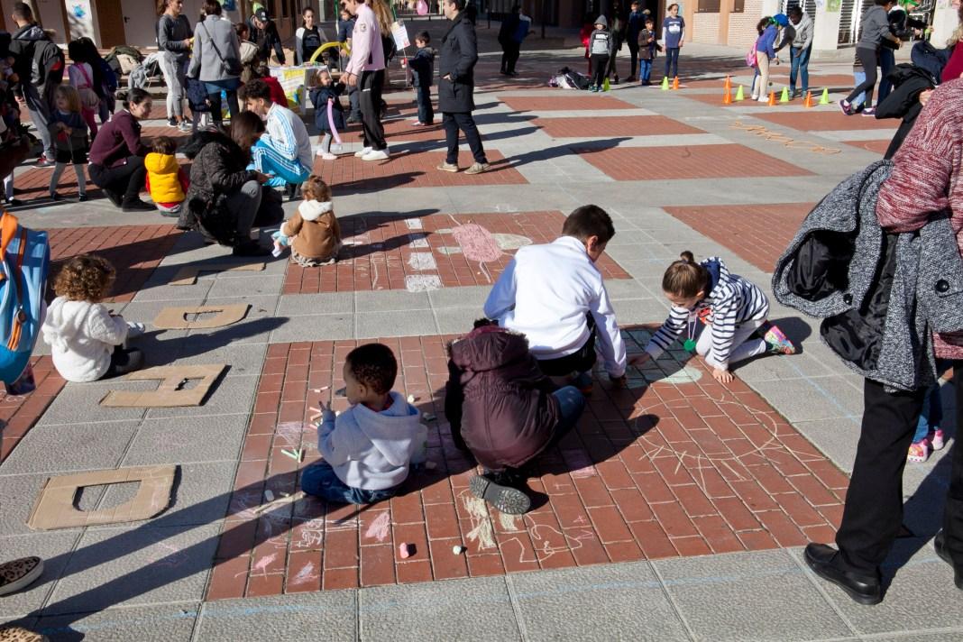 LEGANÉS / Los niños 'decorarán' una plaza el domingo para celebrar ...