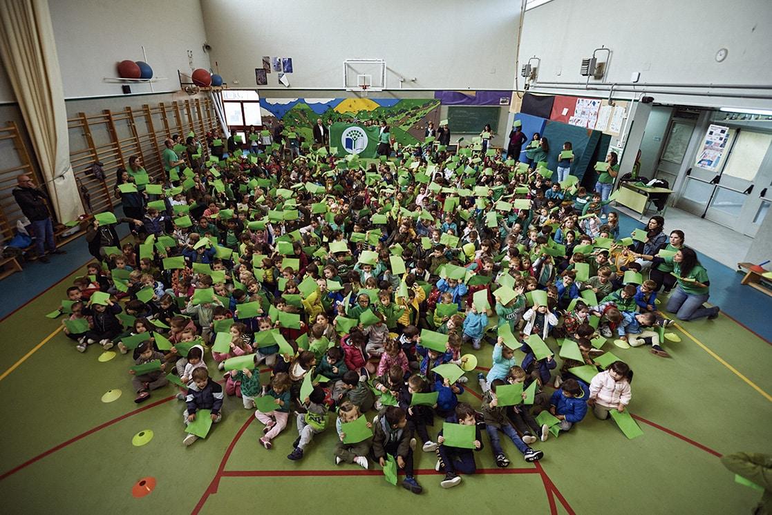 RIVAS VACIAMADRID / El colegio 'Victoria Kent' reconocido con la bandera verde de ecoescuela - Noticias Para Municipios