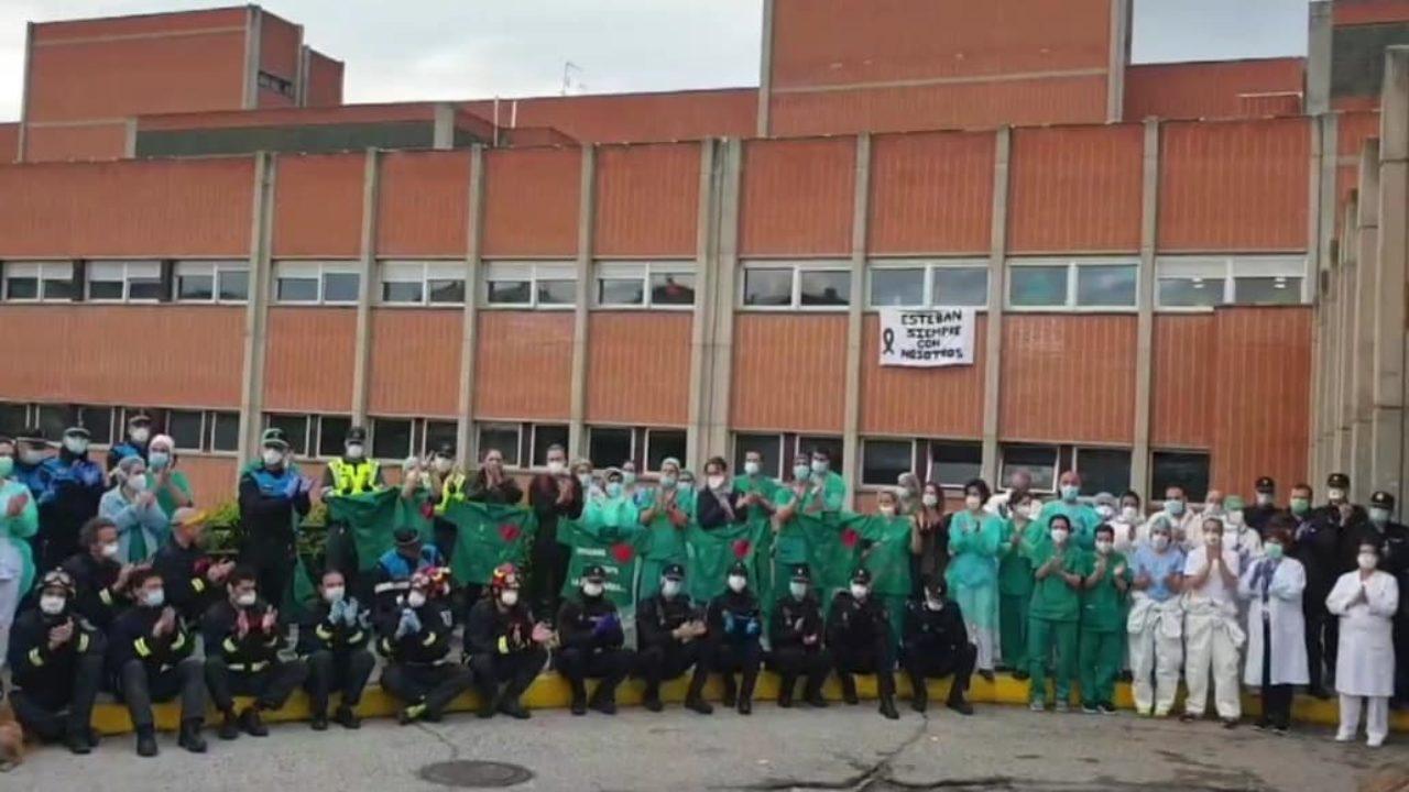 LEGANÉS/ Trabajadores del Severo Ochoa homenajean con aplausos al ...